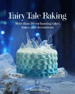 Du cake design en dégradé de bleu et échardes de sucre pour ce gâteau de Ramla Khan inspiré de la Reine des Neiges